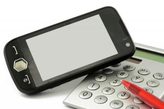 Quel est le retard des investissements publicitaires sur mobile par rapport au temps d'usage ?