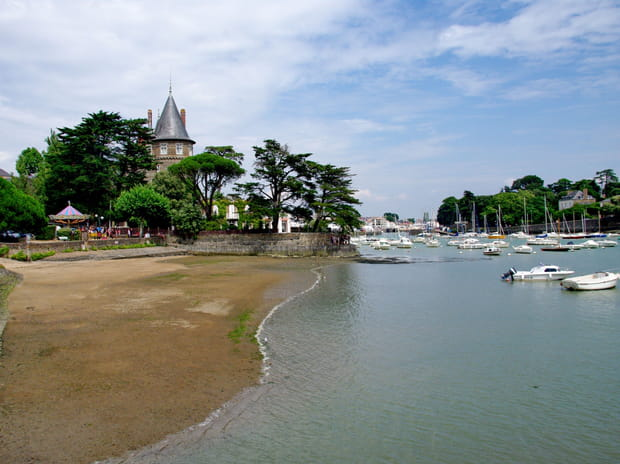 15e : Pornic (Loire-Atlantique), 2 768 euros le mètre carré