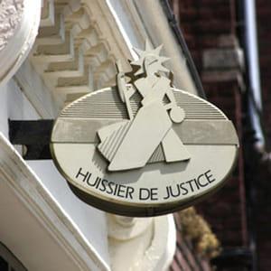 l'inspection générale des finances attribue aux huissiers de justice un revenu