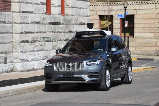 Après un accident mortel, Uber suspend ses tests de voitures autonomes