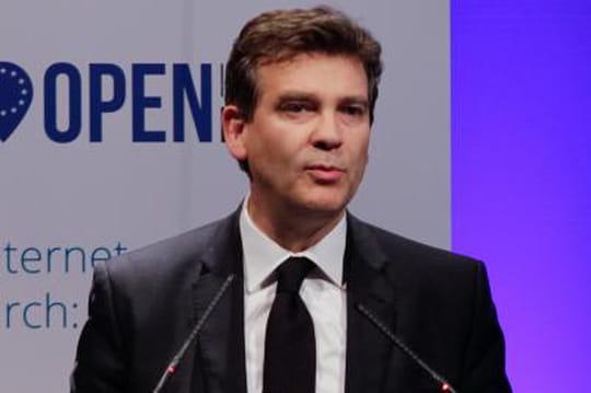 """Montebourg veut un système d'exploitation """"made in France"""""""