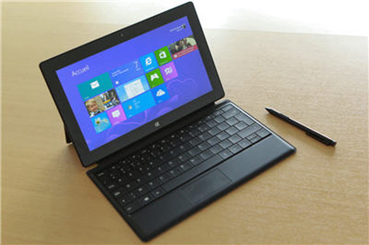 la tablette surface pro de microsoft disponible pour 879 euros. Black Bedroom Furniture Sets. Home Design Ideas