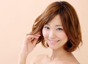 les femmes japonaises ont tendance à adopter une coupe longue lorsque l'économie