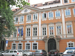 l'ambassade de france à prague