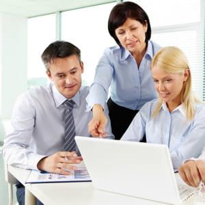 les collègues qui ont besoin de travailler ensemble sont rapprochés en open