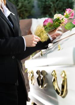 organiser ses obsèques à l'avance, une façon de se rassurer et de préserver ses