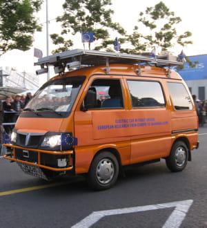 les deux vans piaggio ont ralié milan à shanghai sans chauffeur.