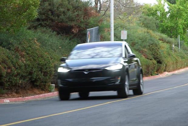 La Model X est rapide