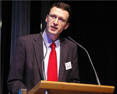 bruno ménard, dsi de sanofi-aventis, a été élu président du club informatique