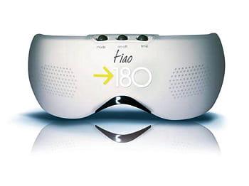 des lunettes high tech pour réaliser des massages faciaux.