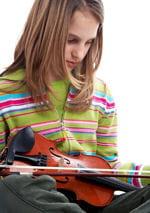 l'enfant devant un violon est la première planche présentée dans le test tat.