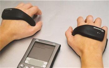 senseboard permet de piloter un pda à la main mais sans clavier