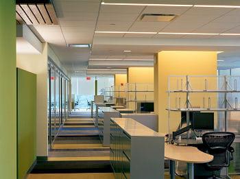 studios architecture a aménagé des espaces de travail partagés chez nokia, à new