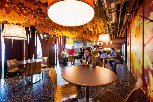 Cafétéria à l'inspiration automnale
