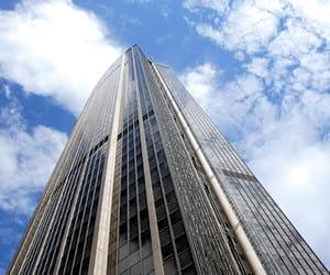 la tour montparnasse, dans le 14e arrondissement.