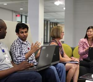 réunion entre collègues chez texas instruments en septembre 2011.