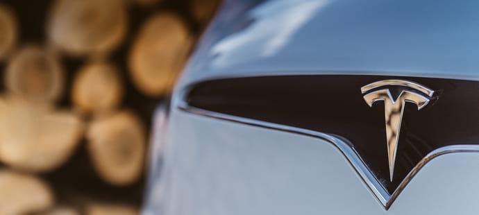 Tesla: les livraisons dépassent les attentes, malgré le coronavirus