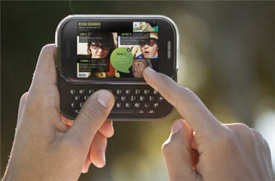 un smartphone au look franchement classique. encore qu'il y a beaucoup de