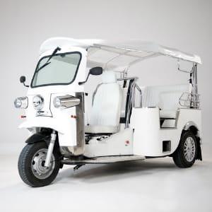 version limousine ou trois places,e-tuk propose une gamme complète de tuk-tuk