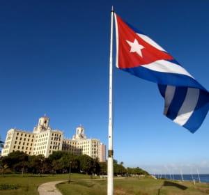 la france a exporté pour 120,87 millions d'euros à cuba en 2010.