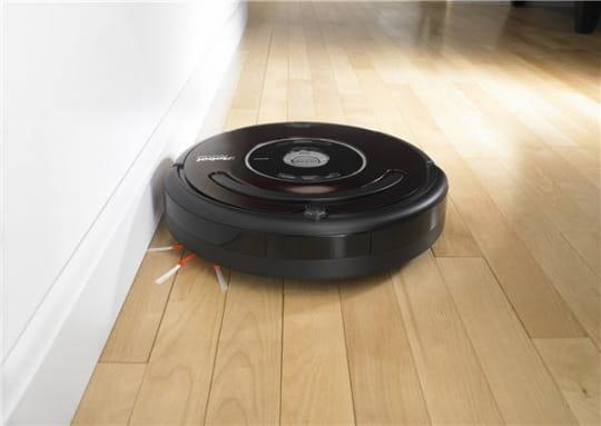 Roomba 560 : l'aspirateur passe-partout