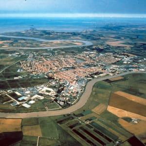 une vue aérienne de rochefort.
