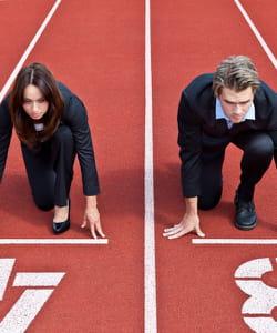 redoubler d'efforts dans la compétition avec ses collègues pour rester en