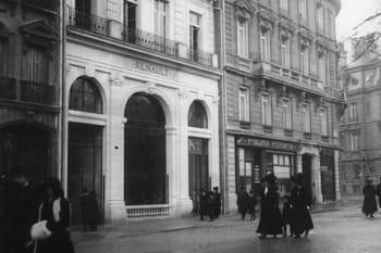 Renault a d marr ses concessions avenue des champs elys es - H m avenue des champs elysees ...