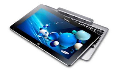 la tablette samsung ativ smart pc pro pèse 884 grammes et 1,6 kg avec son