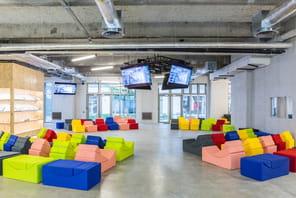 Dans le tout nouveau campus ultramoderne de Publicis Media à Paris