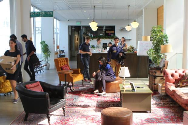 L'espace d'accueil pastiche un café de Brooklyn