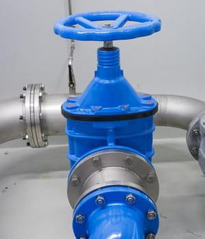 pourquoi ne pas utiliser les différences de pression dans les tuyaux d'eau pour