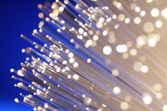 Fleur Pellerin veut simplifier le raccordement en fibre optique