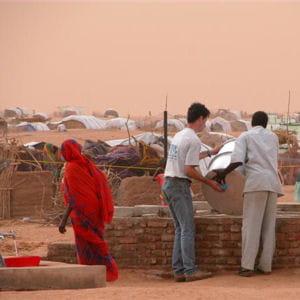 aujourd'hui, action contre la faim recrute des logisticiens, des administrateurs