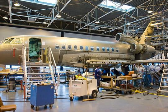 Dassault Falcon Service : décapage