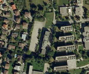 une vue aérienne du centre financier de michelin, à fribourg.