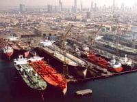 dubaï world dispose de précieux ports.