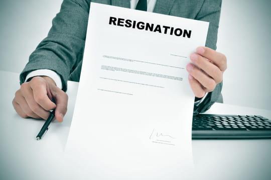 Démission d'un CDD: préavis, lettre de démission