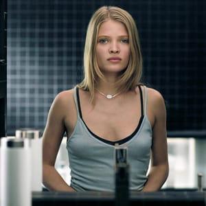 mélanie thierry dans le film chrysalis.
