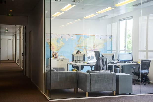 Des bureaux fermés mais transparents