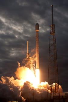 la fusée falcon 9, de space x.