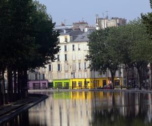 le canal saint-martin, dans le 10e arrondissement.
