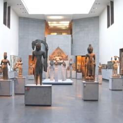 le musée guimet, à paris.