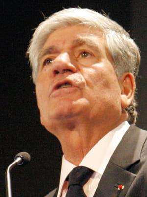 maurice lévy a pris les commandes de publicis en 1987.