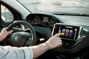 Peugeot 208: les dessous techniques de la voiture connectée