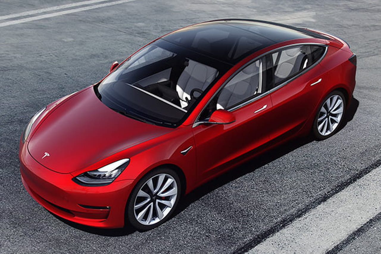 tesla en france il faudra payer 53 500 euros minimum pour la model 3. Black Bedroom Furniture Sets. Home Design Ideas