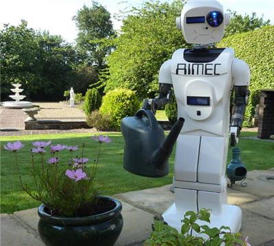 un robot sympa, qui a de la discussion et un certain sens de l'humour : un vrai