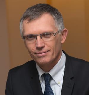carlos tavarès prendra les rênes de psa peugeot citroën en 2014.