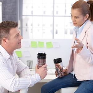 mieux vaut éviter de raconter sa vie pendant la pause café.