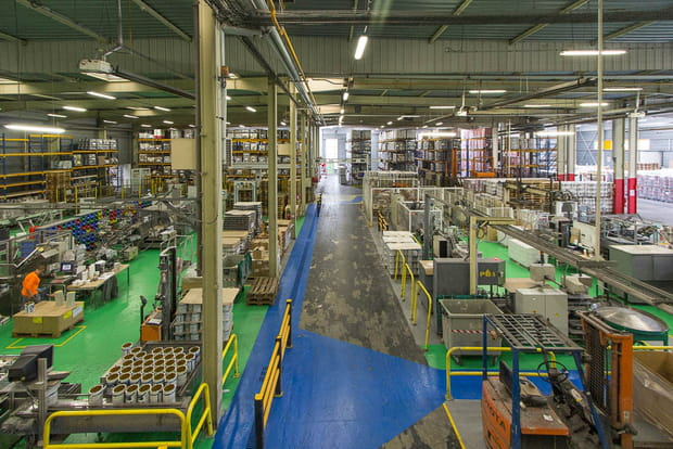 Une usine de 8000m²